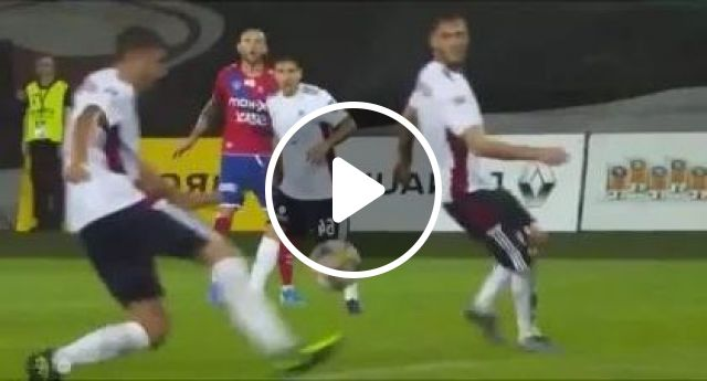 Perfect Angle - Video & GIFs   sports, football players, sports shoes, sports clothes