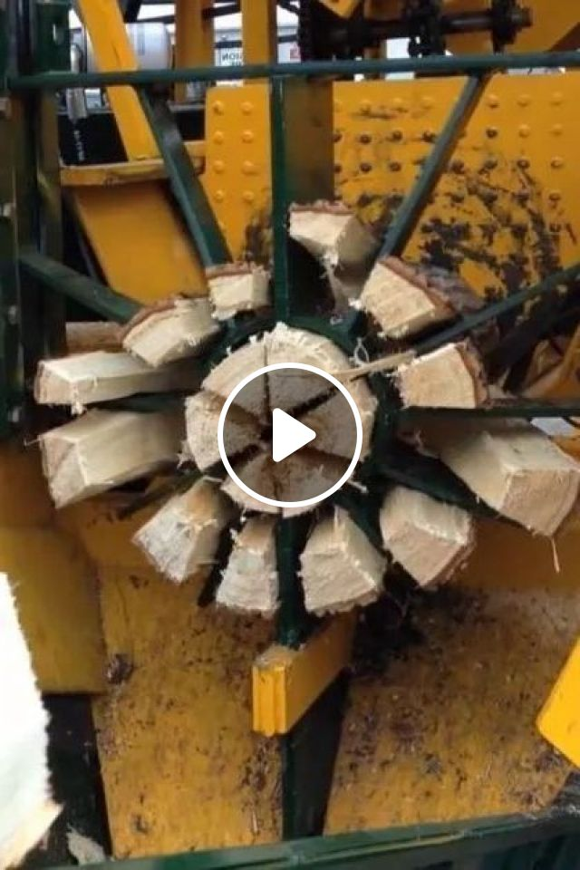 This Wood Splitter Can Split Wood Effortlessly - Video & GIFs | science & technology, wood cutting machine, machine technology